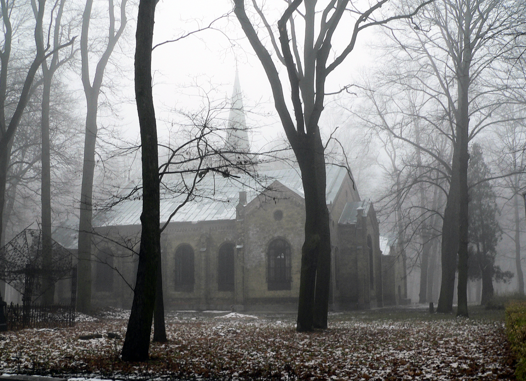 cemetery-church-1199044-1